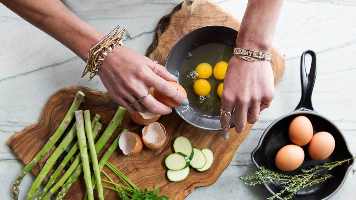 12 Benefits Of Eating Eggs For Your Body