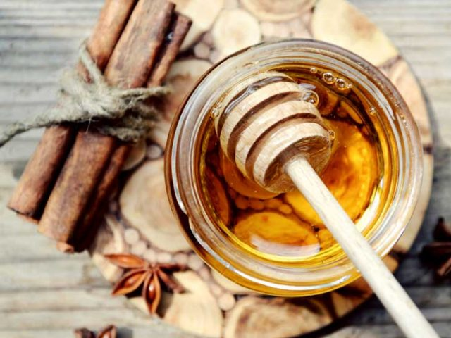 7 Effects of Eating Honey And Cinnamon Daily